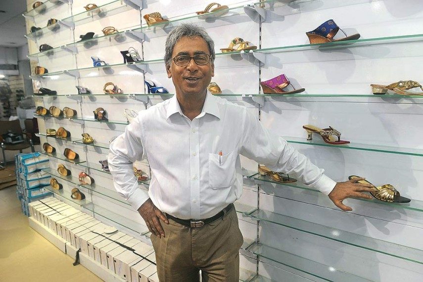 Late Suresh Chandra Dey, the father of Sreeleathers, was a freedom fighter. Late Suresh Chandra Dey wanted to nurture a dream to make durable and decent shoes that could be affordable for every Indian. This dream came true when Sreeleathers was founded in 1952.